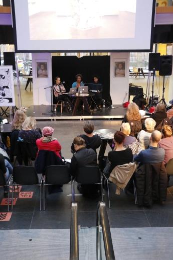 """Marronage: Modlæsninger, Jeannette Ehlers & LaVaughn Belle """"Fireburn Queens"""", Hovedbiblioteket, marts 2017. Foto: Kbh læser."""