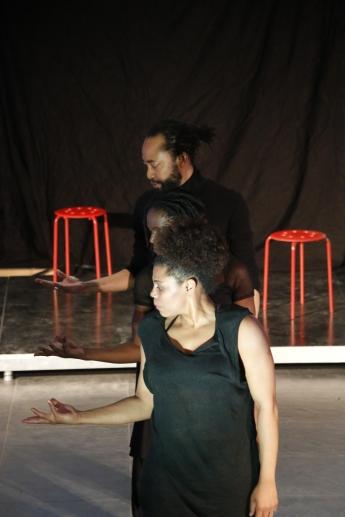 Marronage: Modlæsninger, Julienne Doko: Memoires Perdues, performance, Hovedbiblioteket, marts 2017. Foto: Kbh læser.