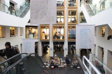 Marronage: Modlæsninger, Lorenzo Sandoval: Broken Parliament, installation, Hovedbiblioteket, marts 2017. Foto: Lotte Løvholm.